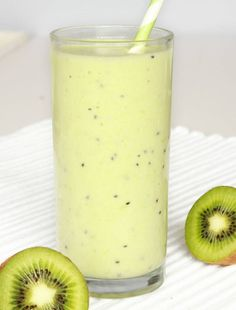 Change Your Unhealthy Diet Today & Stay Healthy! Healthy Sweets, Healthy Snacks, Healthy Recipes, Strawberry Kiwi Smoothie, Unhealthy Diet, How To Stay Healthy, Breakfast Recipes, Healthy Living, Food Porn