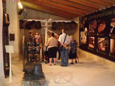 Museo Didáctico del Aceite Monumentos | Turismo San Vicente del Raspeig Saints, Monuments, Museums, San Vicente, Oil, Places To Visit, Tourism