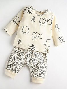 Mac & Moon Cream Bird und Dash Top und Jogger Outfit - My favorite children's fashion list Fashion Kids, Baby Boy Fashion, Toddler Fashion, Fashion Clothes, Fashion Dresses, Baby George, Vêtements Goth Pastel, Baby Boy Outfits, Outfits For Teens