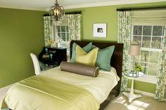 En esta oportunidad traemos algunos diseños de dormitorios en color verde. Este color es muy utilizado para la decoración de la habitación pues nos da la sensación de paz y tranquilidad al ambient…