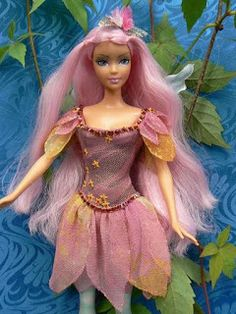 The chorradikas Laury: fairy dress free pattern for Barbie. This site has lots of free Barbie patterns.
