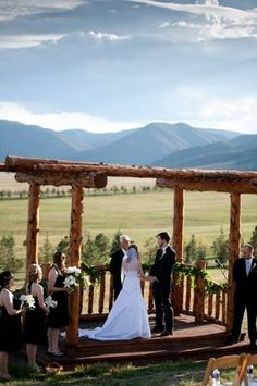 Spruce Mountain Guest Ranch in Larkspur, Colorado features a stunning panoramic mountain backdrop for a ceremony, and several indoor spaces for the reception. Talk about chic! Photo courtesy of Spruce Mountain Guest Ranch Colorado Wedding Venues, Best Wedding Venues, Barn Wedding Venue, Wedding Locations, Wedding Events, Wedding Ideas, Wedding Bells, Fall Wedding, Trendy Wedding