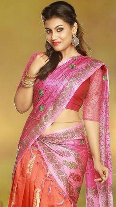 Super Hot Indian Ladies in Saree - Superb Photo Gallery! Beautiful Saree, Beautiful Indian Actress, Beautiful Actresses, Beautiful Women, Indian Navel, Elegant Girl, Saree Look, Indian Beauty Saree, Indian Sarees