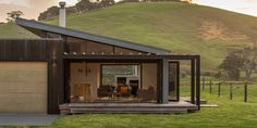 Pataua Holiday Home by Black Box Architects Modular Homes, Prefab Homes, Cabin Homes, House Roof, Facade House, Roof Design, House Design, Cedar Cladding, Casas Containers
