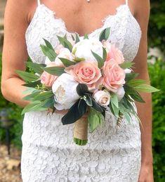23 Ideas boho wedding boquette peach for 2019 White Peonies Bouquet, Peach Bouquet, Burgundy Bouquet, Bridal Bouquet Pink, Silk Wedding Bouquets, Bridesmaid Bouquet, Peony, Wedding Flowers, Ranunculus