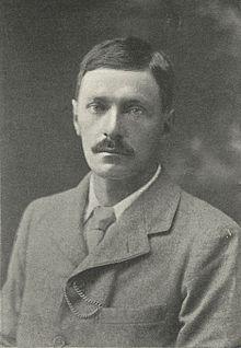 Edward Frederic Benson: Negotium Perambulans
