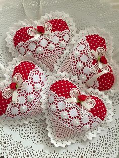 Lace and fabric hearts - fabric crafts Valentines Day Decorations, Valentine Day Crafts, Holiday Crafts, Heart Decorations, Christmas Sewing, Felt Christmas, Christmas Ornaments, Crafts To Make, Diy Crafts