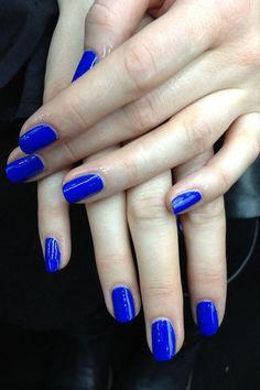 cobalt blue mani.