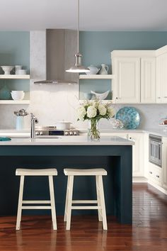Your dream kitchen awaits! Click for kitchen renovation tips and ideas, from inspiration and planning to storage options.