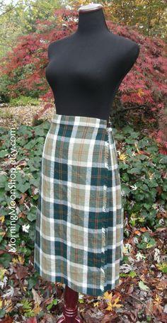 Vintage WRAP SKIRT, 100% WOOL, Green Tartan Plaid, Blanket Kilt, 1980s Preppy Schoolgirl Classic, Retro Knee-Length, Fall/Winter, size Lg? by MorningMoonShop on Etsy
