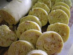 Mléko ohřejeme tak, aby bylo vlahé do kvásku. Trošku si odlijeme a smícháme s 1 lžící hladké mouky, špetky cukru a droždí - tj. kvásek. Dala jsem... Sweet Potato, Potatoes, Vegetables, Food, Mascarpone, Potato, Essen, Vegetable Recipes, Meals