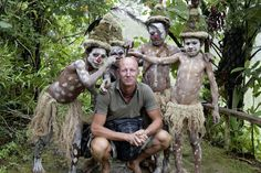 Tribe boys of Papua Guinea get together with their photographer, Jimmy Nelson, for a group photo  - http://earth66.com/human/tribe-boys-papua-guinea-photographer-jimmy-nelson-group-photo/
