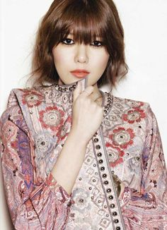 Girls' Generation Soo-young Choi  Harper's Bazaar Korea January 2013.