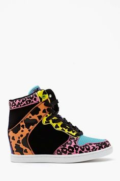 Need these - Nasty Gal - Neon Feline Wedge Sneaker - Sneakers Mode, Wedge Sneakers, Wedge Shoes, Sneakers Fashion, Shoes Sneakers, Fashion Trainers, Dream Shoes, Crazy Shoes, Cute Shoes