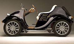 Japanese Steampunk Style Mini Electric Car