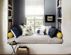Inbuilt daybed