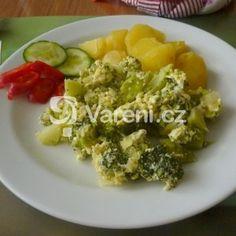 Jednoduchý brokolicový mozeček recept - Vareni.cz Chicken, Meat, Food, Essen, Meals, Yemek, Eten, Cubs