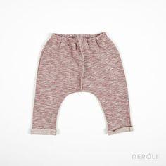 Pantalón de felpa rojo para bebé de 1 + In The Family. #baby #trousers #fashion #NeroliByNagore #SS14 #OneMoreInTheFamily