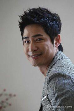 kang ji hwan Asian Actors, Korean Actors, Save The Last Dance, Summer Scent, Lie To Me, Kpop, Korean Men, Big Men, Celebs