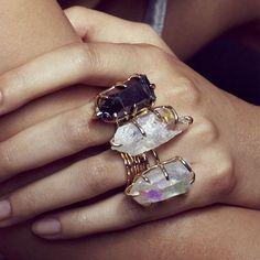Mix de aneis de cristal.