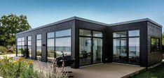 Billeder af Funkis huse - Se de mange muligheder i Funkis husene Viborg, 4 Bedroom House Plans, Home Fashion, Villa, Windows, House Styles, Summer, Black, Terrace