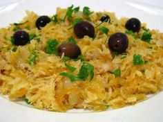Bacalhau a Bras is a very easy to prepare codfish recipe, much appreciated by the Portuguese, who can't live without it in festive occasions.  Bacalhau a Bras (...)