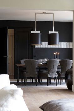Dark walls remain on trend for Exclusive villa construction Vlassak Verhulst Wingback upholstered dining room chairs Dining Room Inspiration, Interior Design Inspiration, Decor Interior Design, Villas, Black Rooms, Contemporary Interior, Decoration, Home Furnishings, Sweet Home