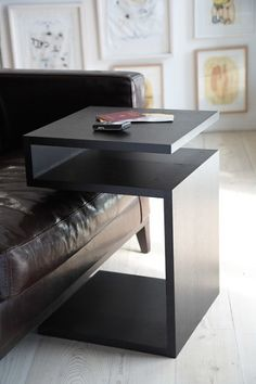 Lambert Werkstätten Deposito Table - A clear-cut design with planes that appear to float freely – Deposito is a z-shaped side table made of solid oak. Table Dapoint, Couch Table, Furniture Makeover, Home Furniture, Furniture Design, Arm Rest Table, Best Leather Sofa, Modern Table, Home Office Design