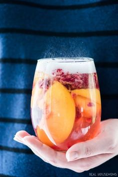 Sparkling White Peach Sangria is a great brunch or summer cocktail! Making it ahead makes it a great recipe for a party and the taste is fantastic! #summercocktails
