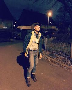 watch out... the Sheriff is in town  my #brokebackmountain moment for #fasching #2017 #stuttgart #cowboy #sheriff