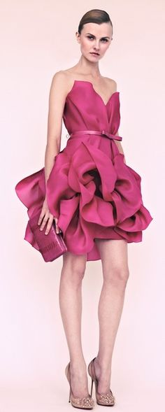 HMMMM...kinda goes with those multi-banded pink stilettos, eh? | | Marchesa Resort 2013 #josephine#vogel