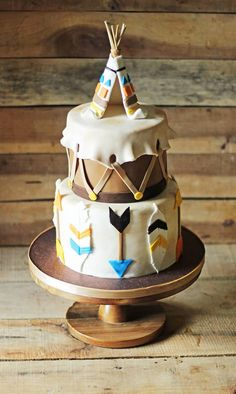 Wild One Drum Cake with Teepee Cake Topper. Click over to see how to make the teepee cake topper and get all the other details of this birthday cake! Birthday Cake Girls, First Birthday Cakes, Fondant Cakes, Cupcake Cakes, Shoe Cakes, Pocahontas Cake, Native American Cake, Bohemian Cake, Western Cakes