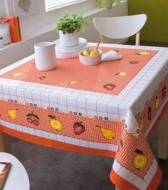APRENDE COMO HACER HERMOSO MANTEL PASO A PASO! Table Toppers, Vintage Design, Artisanal, Fabric Painting, Table Linens, Table Runners, Toy Chest, Fall Decor, Toddler Bed