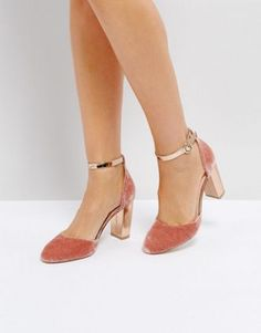 Buy Coco Wren Block Heel Shoe at ASOS. With free delivery and return options (Ts&Cs apply), online shopping has never been so easy. Get the latest trends with ASOS now. Asos, Pretty Shoes, Beautiful Shoes, Block Heel Shoes, All About Shoes, Red Sole, Dream Shoes, Holiday Fashion, Spring Summer Fashion