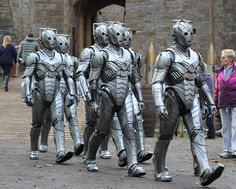 New Cybermen ~ Neil Gaiman episode      http://doctorwhotv.co.uk/wp-content/uploads/new-cybermen-gaiman-filming-b.jpg