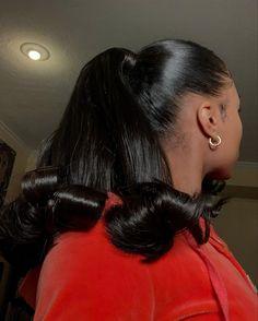 Sleek Hairstyles, Baddie Hairstyles, Ponytail Hairstyles, Weave Hairstyles, Pretty Hairstyles, Hair Ponytail Styles, Sleek Ponytail, Curly Hair Styles, Natural Hair Styles