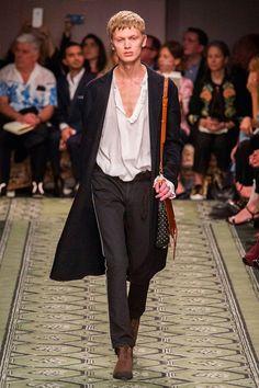 Burberry FW16.  menswear mnswr mens style mens fashion fashion style burberry runway