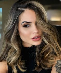 Brown Hair Balayage, Brown Blonde Hair, Brown Hair With Highlights, Bayalage, Balayage Highlights, Dark Auburn Hair Color, Brown Hair Colors, Hair Color And Cut, Ombre Hair Color