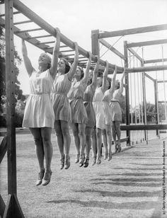 International pupils at an outdoor physical education class at the English-Scandinavian Summer School in Milner Court, Sturry, Kent. (Photo by William Vanderson/Fox Photos/Getty Images). 7th August 1935