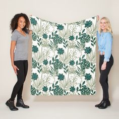 Tropic Monstera Botanical White Leafs Glitter Mint Fleece Blanket Majestic Monstera Leaf products gifts and home goods featuring the giant leave called Monstera. Fleece Blanket Diy, Glitter Gifts, White Glitter, Floral Style, Home Gifts, Customized Gifts, Teal, Tropical, Monstera Leaves