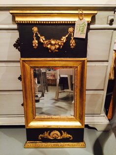Mirror in the shop - Empirstyle