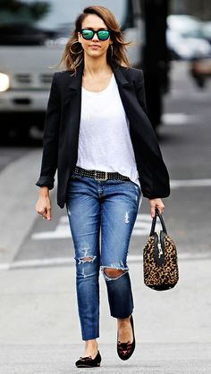 How to wear Ripped Jeans.