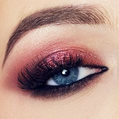 Another simple look. A little bit of shimmery with zoeva cocoa blend