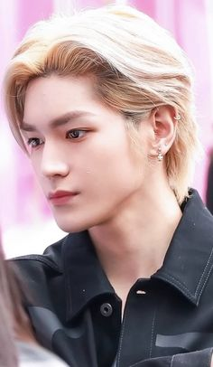Romantic Manga, Pretty Babe, Park Ji Sung, Nct Life, Popular People, Nct Taeyong, Jung Woo, Mark Lee, Flower Boys