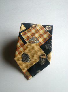 Necktie Blue and Beige Mens Tie Vintage Silk Tie by Majilly, €8.00
