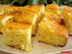 BIZCOCHO DE COCO Y PIÑA Puerto Rican Recipes, Cakes And More, Superfood, Cornbread, Bread Recipes, Deserts, Dessert Recipes, Food And Drink, Favorite Recipes