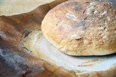 Tak jak jsem slíbil, dneska spolu uděláme domácí chleba. Není nic čerstvějšího a voňavějšího, než právě vytažený chleba z trouby. K bagetě, kterou jsme spolu už dělali, tak přibývá další druh pečiva. S takovou frekvencí přidávání receptů na různé druhy ... Bread, Food, Brot, Essen, Baking, Meals, Breads, Buns, Yemek