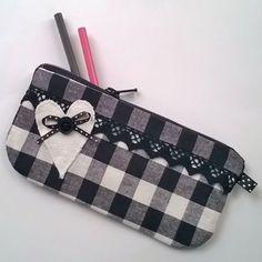 Louis Vuitton Damier, Pattern, Bags, Fashion, Handbags, Moda, Fashion Styles, Patterns, Model
