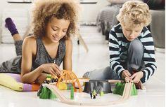 BRIO 33789 - Tren circuito juguete de madera con cargador de troncos, IndalChess.com Tienda de juguetes online y juegos de jardin