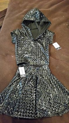 XS Space bubble Crop Hoodie and Skater Skirt set by Coquetry clothing BNWT - $50 for set (open to offers) Fabric does not stretch much at all! True XS's only! Below RRP is fine :)